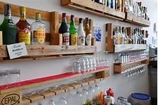 bicchieri per bar arredo bar e pub mobili in pallet