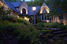 Landscape Lighting Cleveland Ohio The Best Outdoor Lighting In Cleveland Doesn T Require A