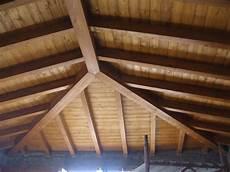 tetto a padiglione in legno copertura in legno casa unifamiliare tre emme service