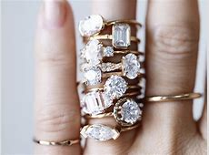 You'll See This Engagement Ring Trend on Lots of Fingers