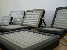 lade a led per capannoni industriali fari led lumens progettazione ottica