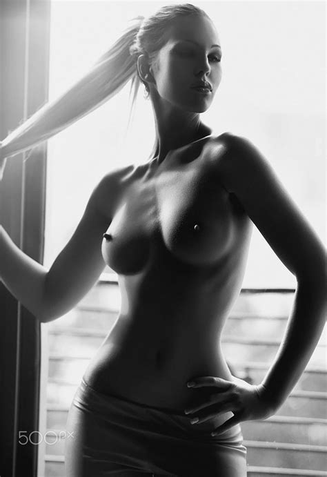 Rihanna Naked Pics Leaked