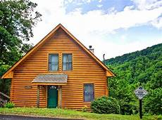 gatlinburg cabin rentals mountain paradise 1 bedroom gatlinburg cabin rental