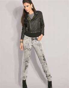 What To Wear With Light Blue Jeans What To Wear With Light Blue Jeans