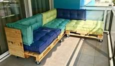 cuscini per divani vendita sofa aus paletten ein praktisches m 246 bel f 252 r drinnen und