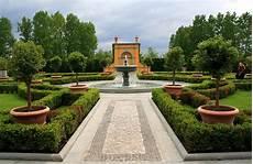 renaissance garden a photo from berlin east trekearth