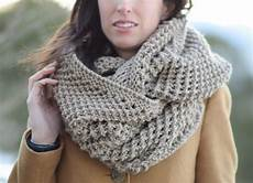 knit free the traveler knit infinicowl scarf pattern in a stitch