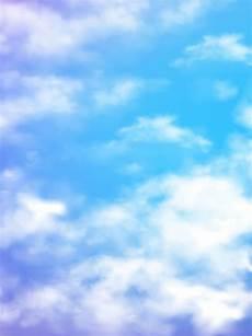 cielo azul fresco con fondo de nubes blancas gradiente