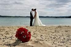 the romantic inspiring beach wedding starstylemepretty