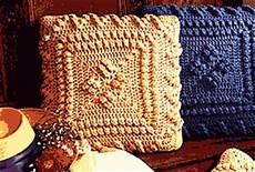 uncinetto cuscini copertine ad uncinetto cuscini pop corn ad uncinetto