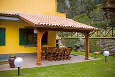 tettoie prefabbricate tettoie in legno prefabbricati in cemento
