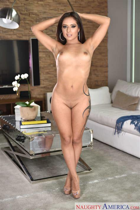 Keeley Hazzel Nude Video