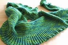 stricken tuch ein halbrundes tuch stricken
