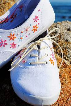 all tangled up diy embroidered canvas shoes by the sea