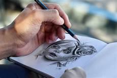 desenhos realistas por charles laveso