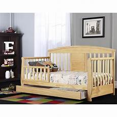 on me deluxe toddler day bed