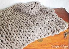 knitting blanket arm knit a blanket in 45 minutes by simply maggie