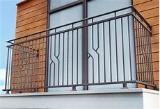 ringhiera balcone prezzi ringhiere per balconi terminali antivento per stufe a pellet