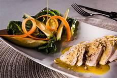 supreme di pollo supreme di pollo con salsina alla senape e insalatina