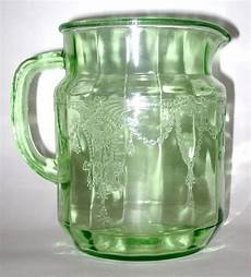Light Green Vintage Glassware 17 Best Images About Green Glass Collectibles On Pinterest