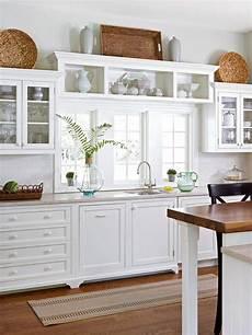 kitchen cabinet decor ideas 10 stylish ideas for decorating above kitchen cabinets
