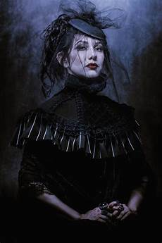 Light And Dark Artists Modern Painted Haunting Portraits Mix With Dark Fine Art Imagery