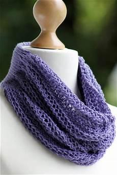 stricken kostenlos chevron lace cowl knitting pattern allfreeknitting