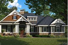 craftsman home plan 2 bedrms 2 baths 1610 sq ft
