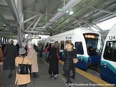 Last Light Rail To Seatac Npi S Cascadia Advocate Sound Transit Inaugurates Service