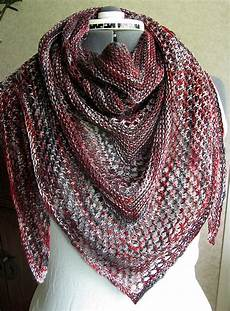 reyna shawl by noora laivola free knitted pattern
