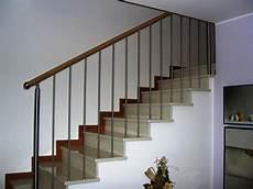 corrimano scale in legno ringhiera in acciaio con corrimano in legno ringhiere