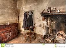 interno casa interno di vecchia casa di cagna immagine stock