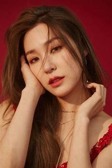 Tiffany Young Tiffany Young Wallpapers Wallpaper Cave
