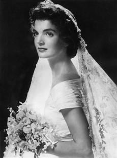 Jackie S Designer Jackie Kennedy S Wedding Dress Designer Lowe Honored