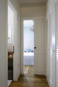 immagini di porte interne porte come elementi d arredo anche in contrasto con lo