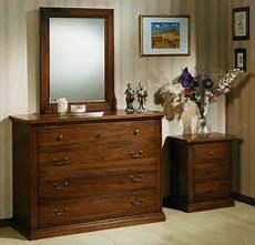 comodini in legno massello stile antico progettazione e realizzazione di mobili su