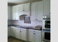 Diamond cabinets from Masterbrand in Coconut. This style goes with every kind of interior style