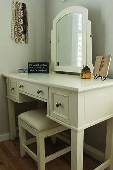 White Bedroom Vanity How To Decorate A Bedroom Simply And With Style