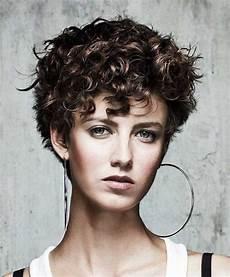 kurzhaarfrisuren krauses haar pretty curly hairstyles you will