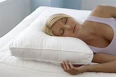 cuscino per dormire come scegliere un cuscino per dormire su un fianco top