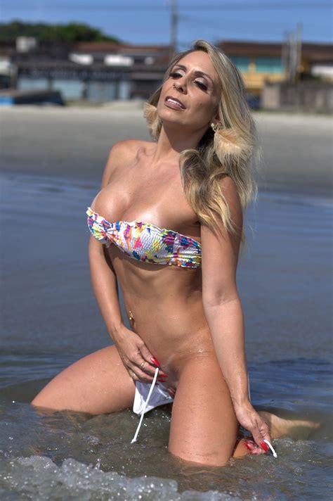 Vanessa Bayer Bikini