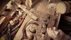 Carving Werkzeugfemor by Wood Carving Carver With Chisel And Hammer Stock Footage