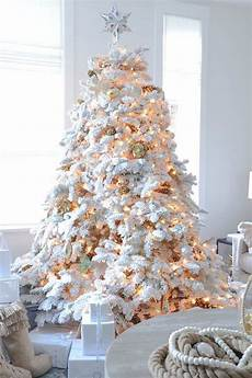 Christmas Tree With White Lights Beautiful Ideas To Deck Up Your Frosted Christmas Tree