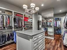 three trending features in luxury home closets custom homes