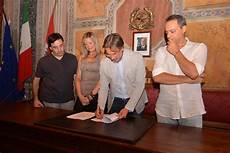 ufficio turismo siena a chiusi rinnovata la convenzione per la gestione dell