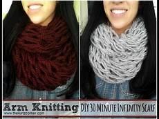 diy arm knitting 30 minute infinity scarf