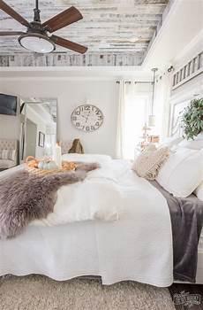 cozy easy fall bedroom decorating ideas the diy