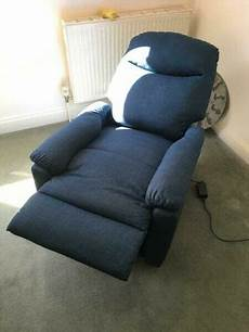 electric reclining arm chair with foot rest in eastleigh