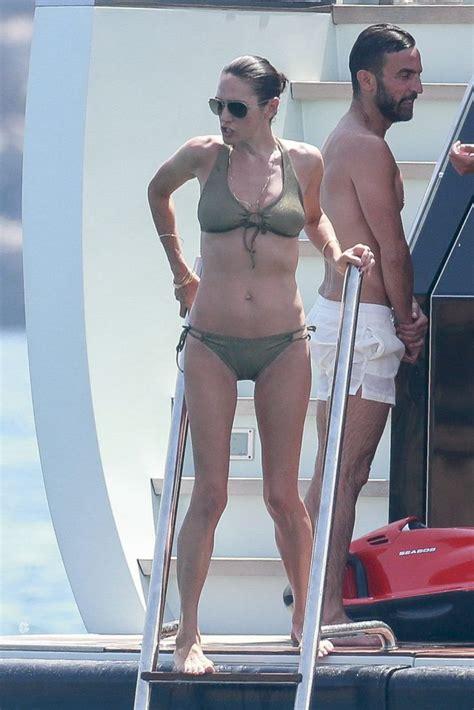 Kari Wuhrer Topless