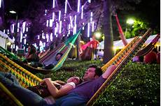 Park In Philly With Lights 25 Things To Do At Spruce Street Harbor Park And Blue